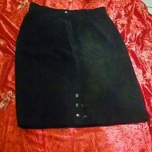 B.B.Dakota leatherwear skirt